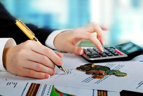 مقاله رقابت در بازار کار (جذب منابع مالی و فروش کالا)